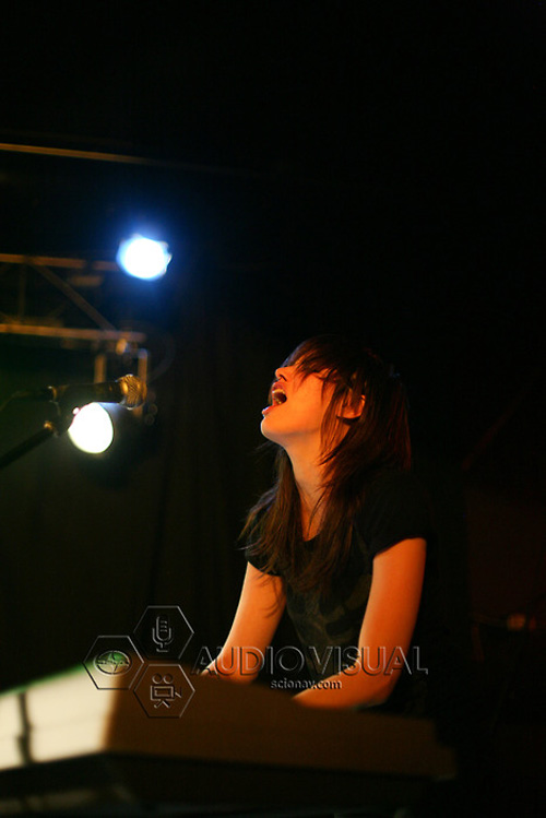 The Coathangers Live 2010