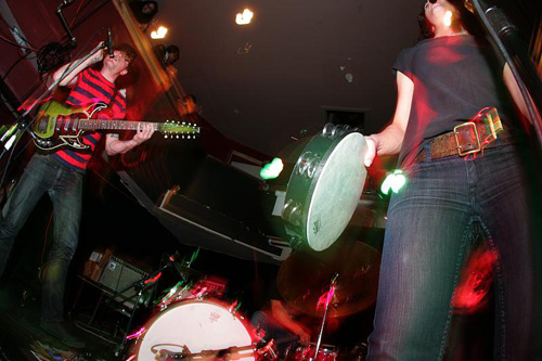 Thee Oh Sees Live 2008 at 12 Galaxies in San Francisco, photo by <a href=