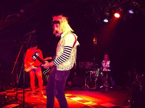 Wizzard Sleeve Live 2006 by Brooke Byrne