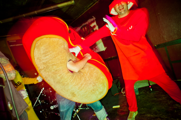 Hot dogs and ketchup, mortal enemies. Budget Rock 10, 2011